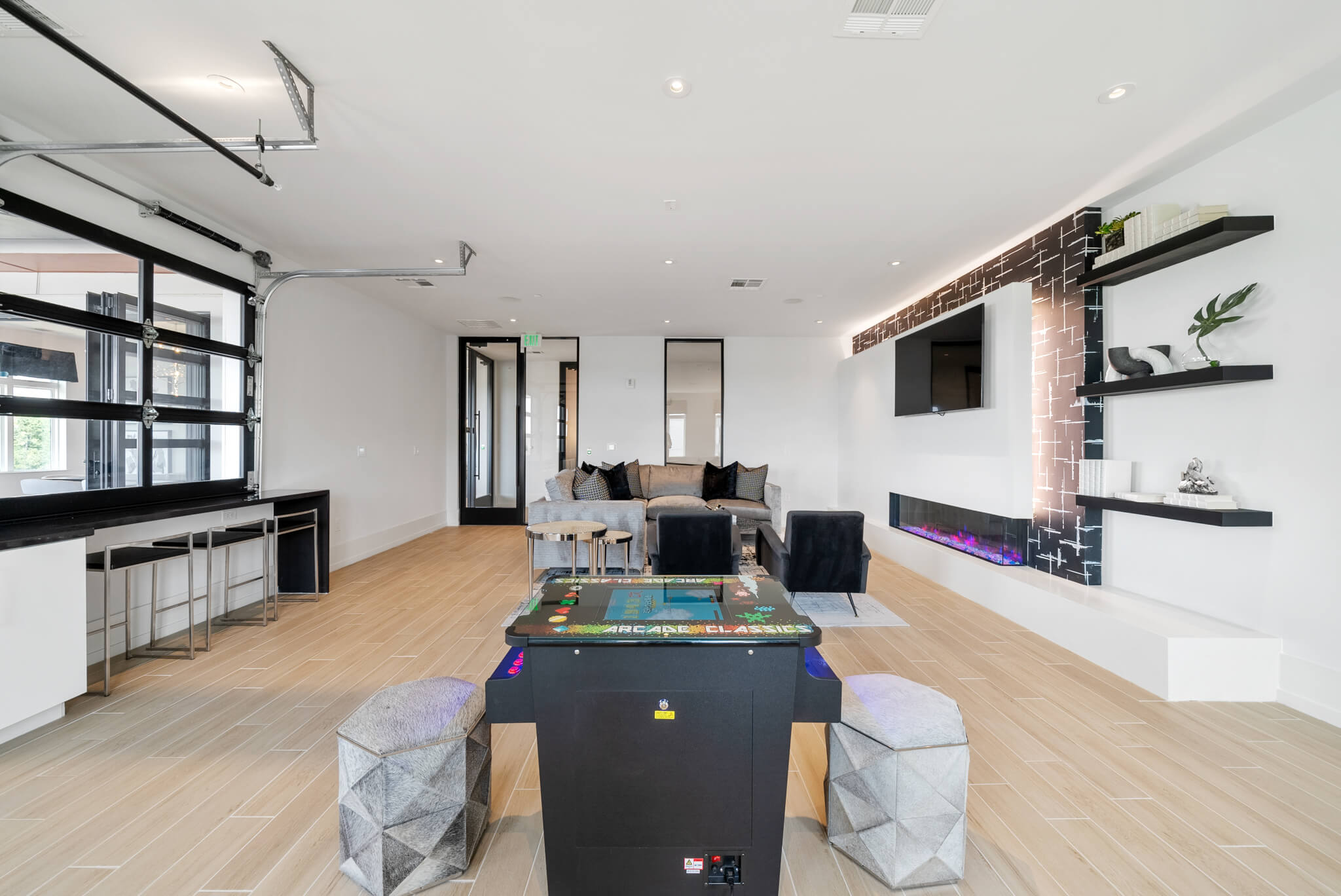 Clubroom Lounge with Games